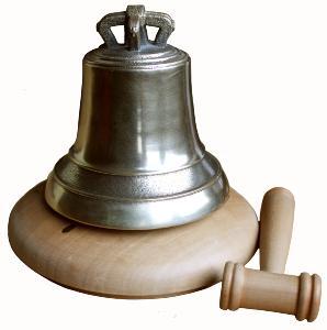 cloche miniature sur socle en bois r 233 plique 224 l identique des grandes cloches paccard